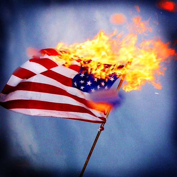 война на флагах в нападении